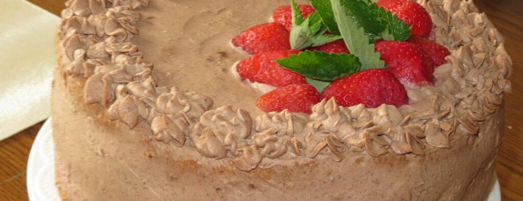 Torcik michałkowy z masą owocową