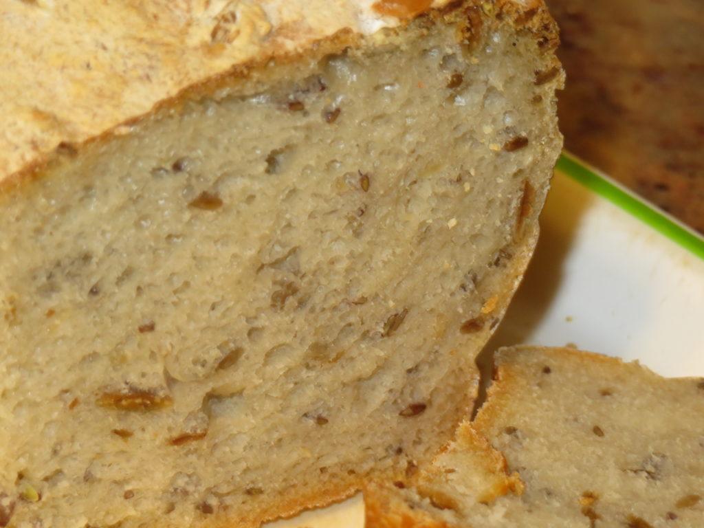 Chleb piwny z ziarnami na zakwasie