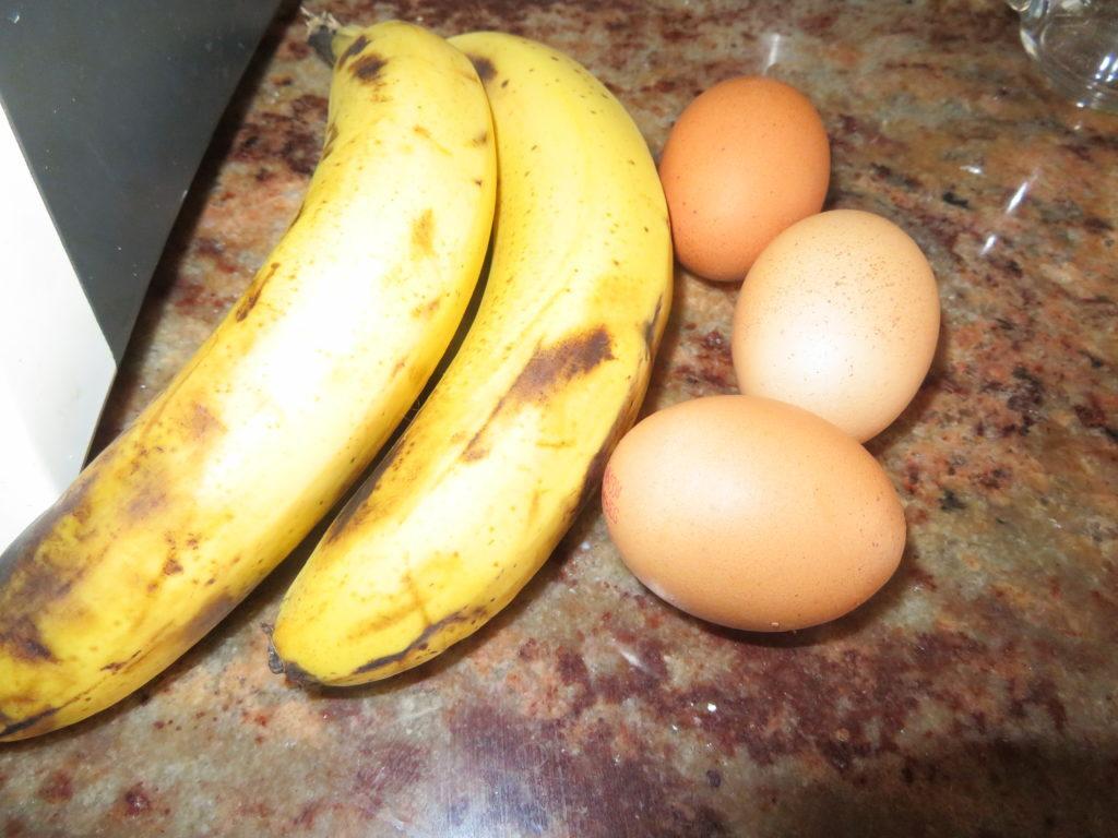 Owsiano-bananowe placuszki śniadaniowe.